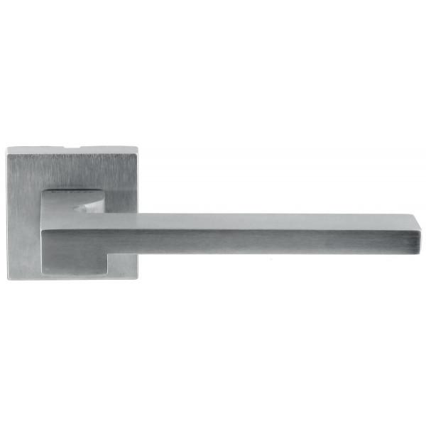 Дверная ручка Extreza Hi-Tech Riva (Рива) 104 R11 матовый хром F05